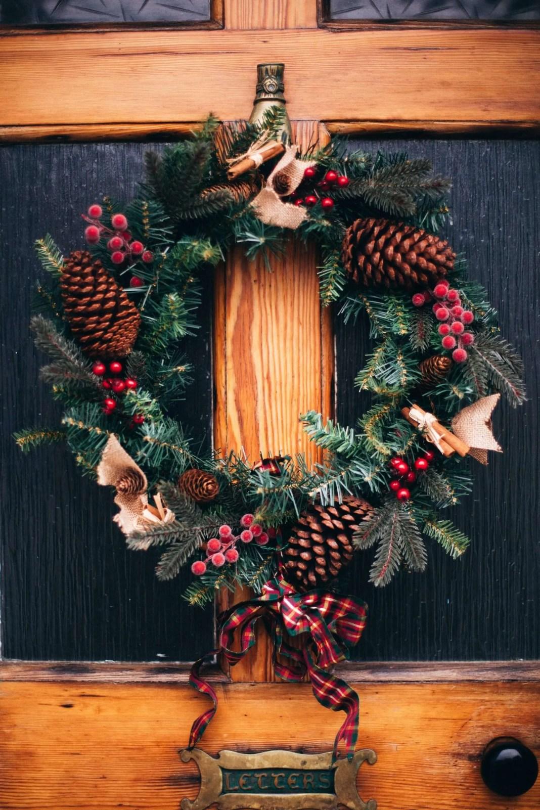 wreath hanger for door