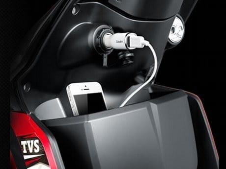 Output Power Untuk Charger Perangkat Elektronik Di Sepeda Motor TVS