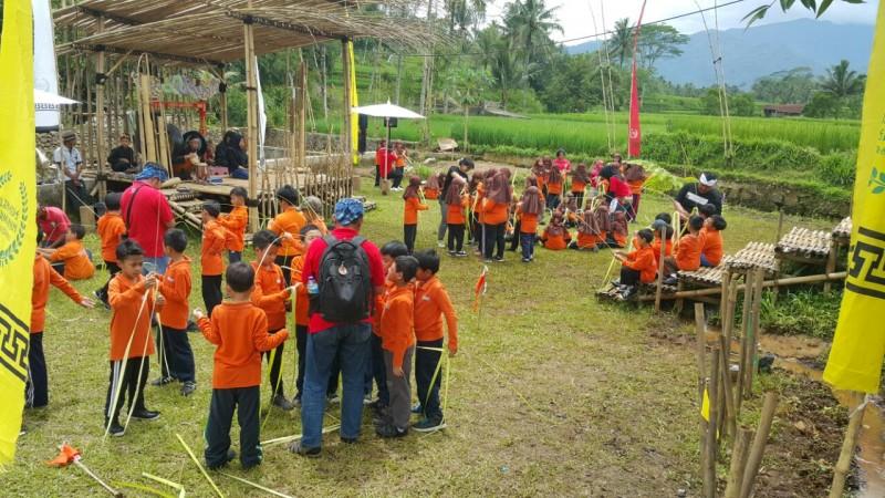 Perkemahan Anak Sekolah Di Desa Wisata
