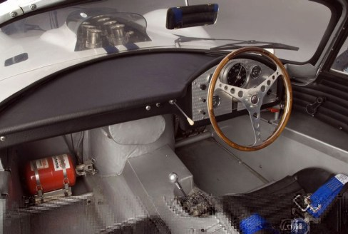 How should the interior of a classic GT racer look?