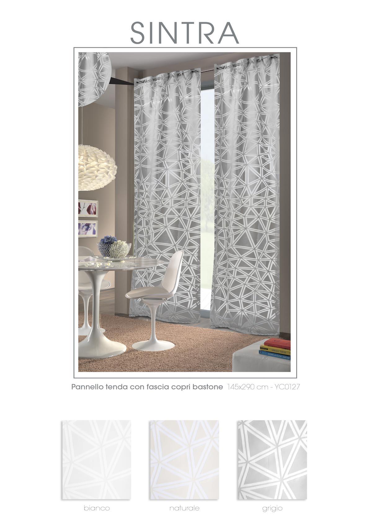 Le tende a pannello sono caratterizzate da una vasta gamma di tessuti tecnici di altissima qualità. Mae Ready Made Curtains Via Roma 60