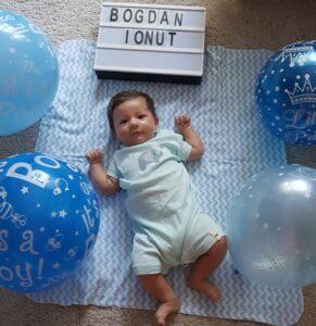 bebe 2 luni