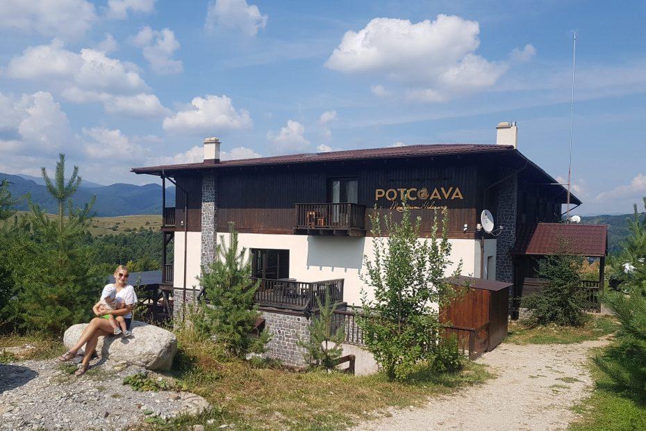 Potcoava Mountain Hideaway