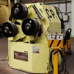 Curvadora de perfiles hidráulica