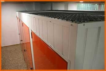 techos de los trasteros  protegidos por una  malla galvanizada de 50x50x2 mm