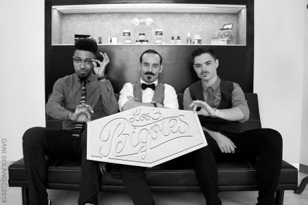3 bigotes