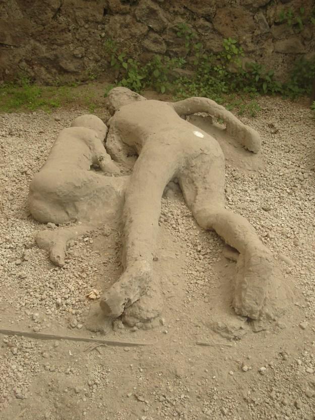 Corpos em Pompéia após a erupção. Foto: Marcelle Ribeiro.