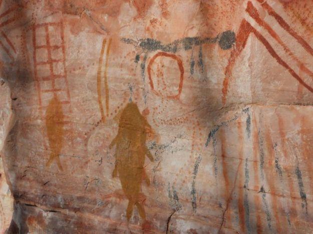 chapada-diamantina de carro pinturas rupestres sitio arqueologico paridas