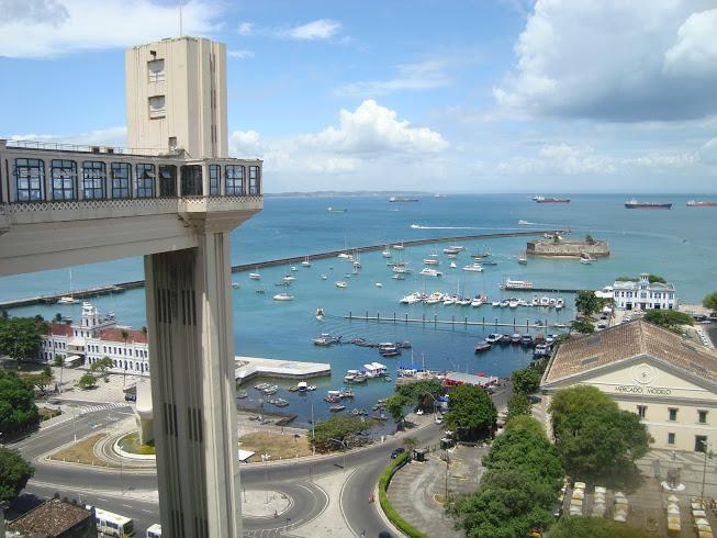 Elevador Lacerda, a Baía de Todos os Santos e o Mercado Modelo. Foto: Marcelle Ribeiro