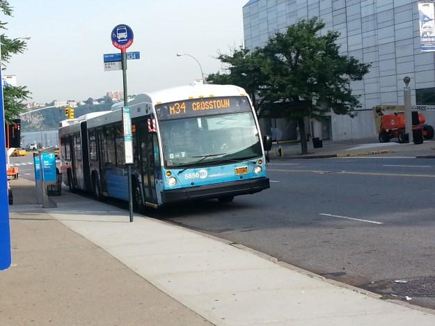 Ônibus urbano em Nova York. Foto: Marcelle Ribeiro