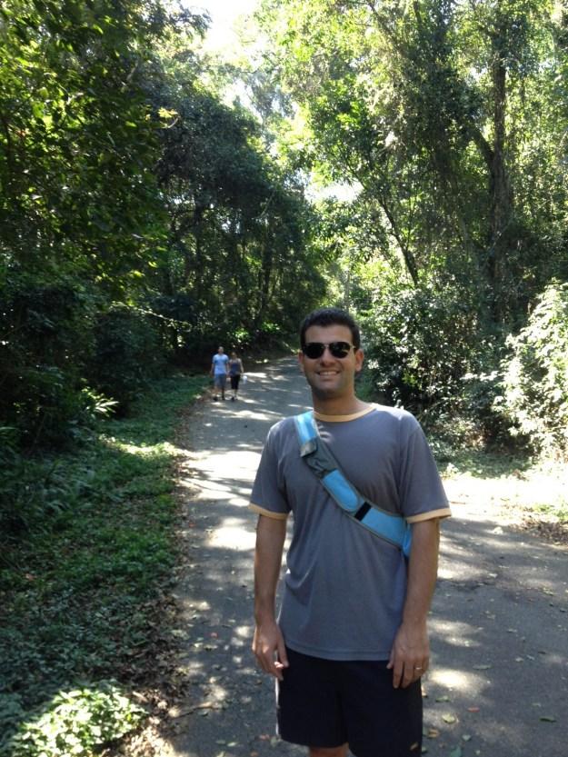 Maridão na trilha para a Pedra Grande. Foto: Marcelle Ribeiro