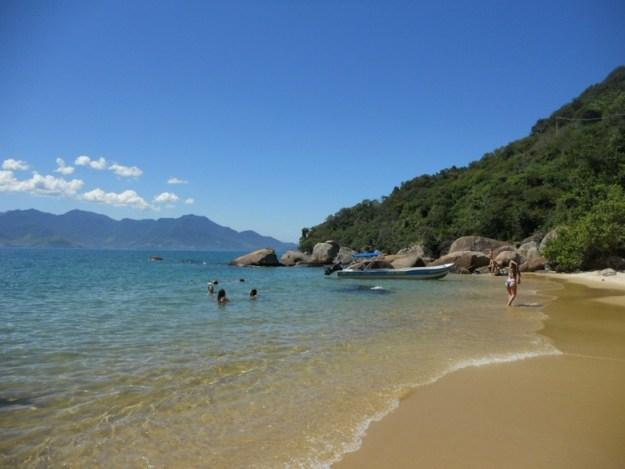 meia volta ilha grande praia feiticeira