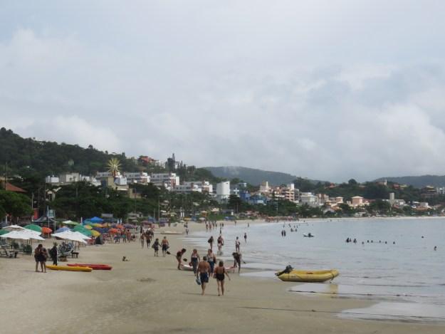 Praia de Bombinhas. Foto: Marcelle Ribeiro.