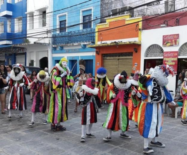 centro historico de recife desfile bloco