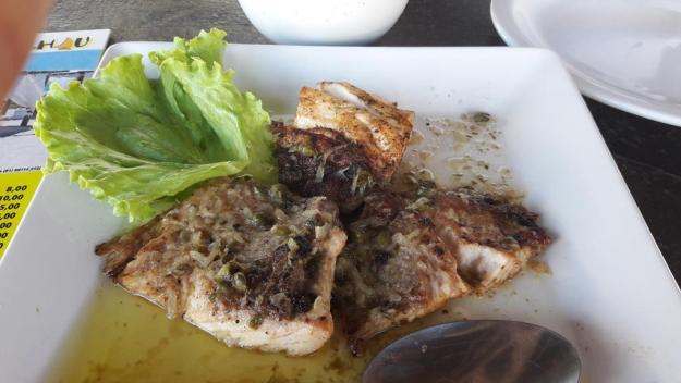 Porção econômica de peixe grelhado do Burgalhau. Foto: Marcelle Ribeiro
