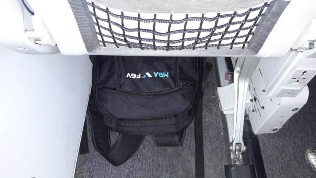 compartimento para bagagens no avião