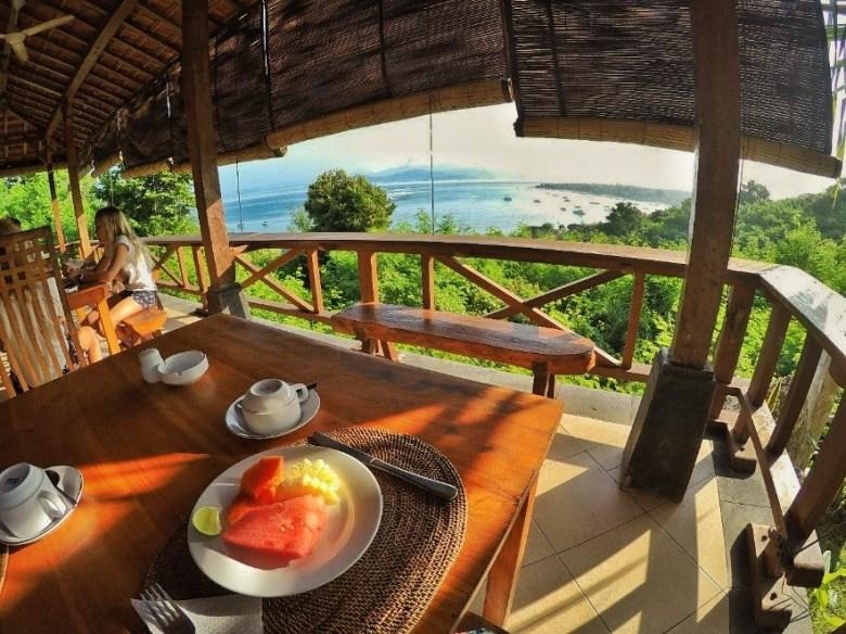 Restaurante do Hotel Lembongan Cliff Villas, em Nusa Lembongan. Foto: Nathália Braga.
