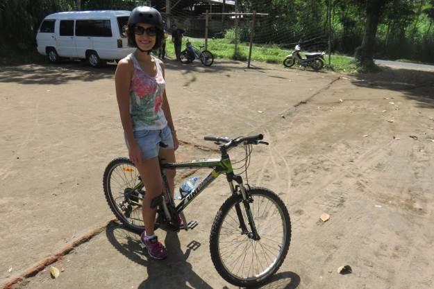 Marcelle pronta para pedalar em Bali. Foto: Guilherme Calil
