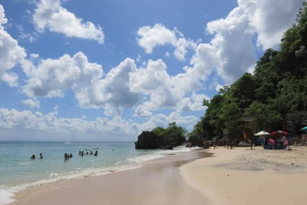 Praia de Padang Padang, em Bali. Foto: Marcelle Ribeiro.