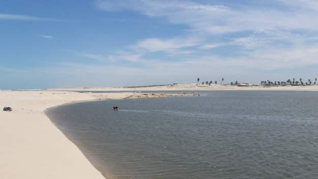 Lagoa na Praia de Águas Belas, no Ceará
