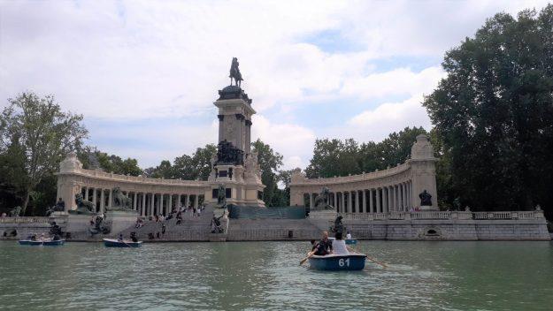 madrid-lago-parque-retiro