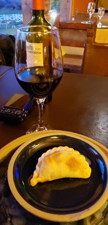 empanada vinho el quincho restaurantes em el calafate