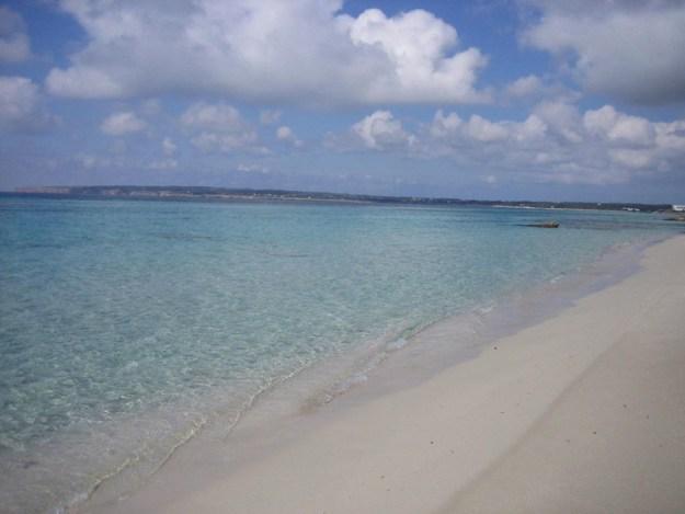 praia migjorn ilha de formentera
