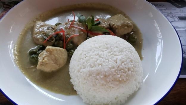 frango arroz apimentado seguro viagem ásia