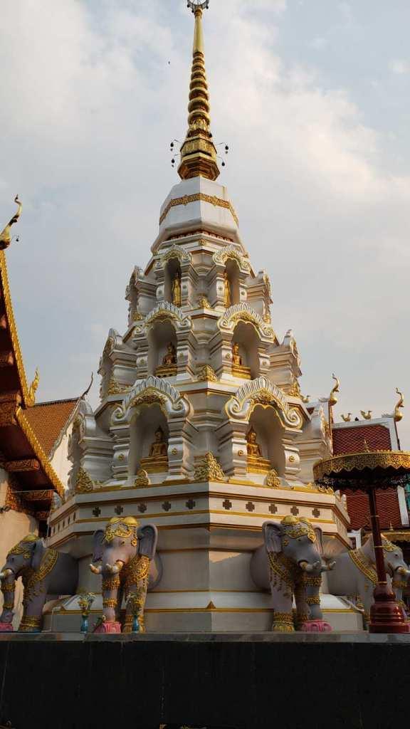 outros templos chiang rai
