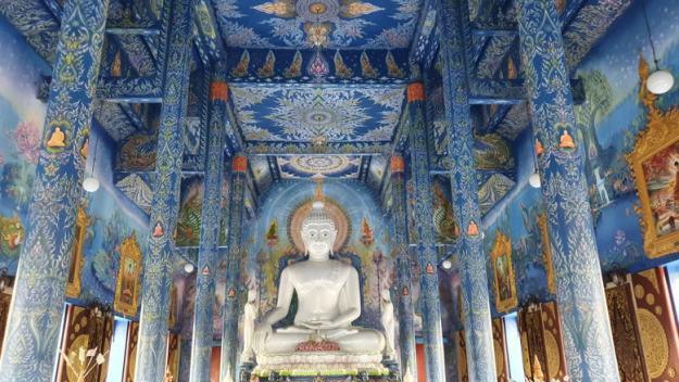 o que fazer em chiang rai templo azul