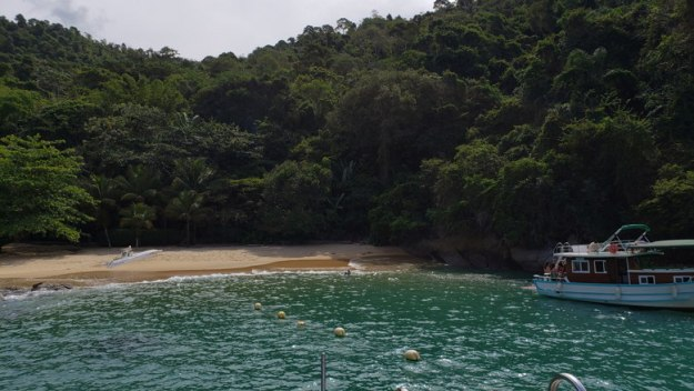 prainha de santa rita passeio de barco privativo em paraty