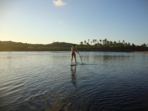 stand up paddle caraíva lugares para viajar no nordeste