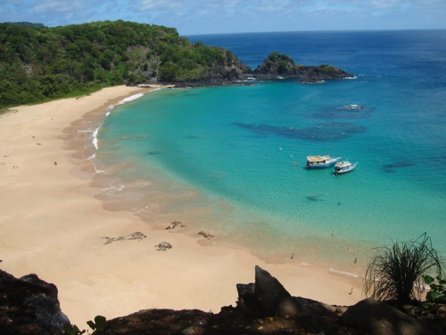 praia fernando de noronha lugares para viajar no nordeste