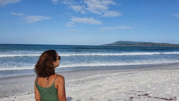 mulher praia das dunas onde ficar em cabo frio