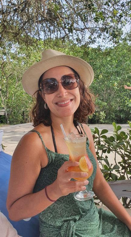 mulher drink onde comer em búzios