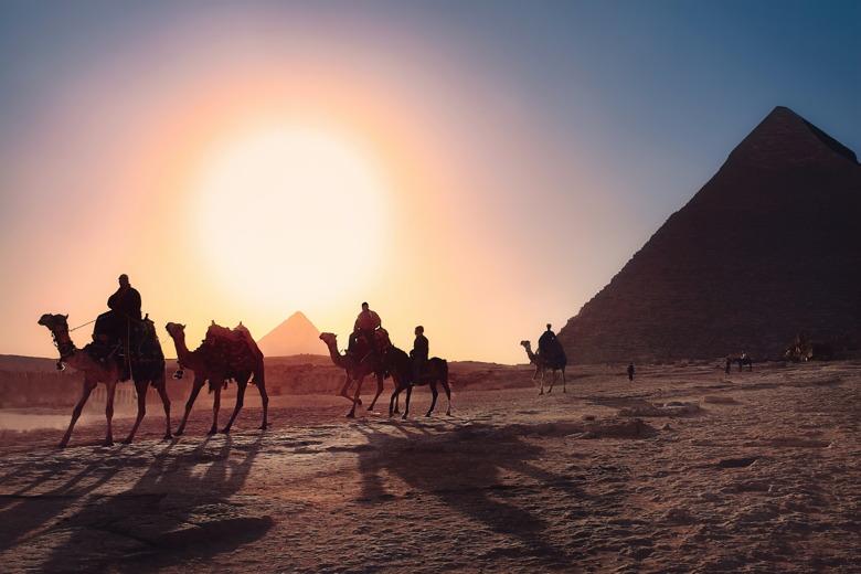 passeio de camelo seguro viagem egito