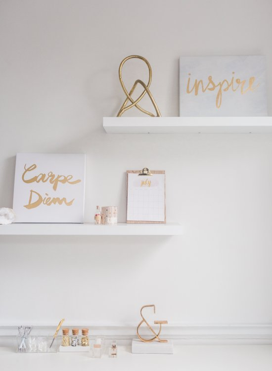 Inspirational White Desk Space - Own Your Wonder DC - www.viciloves.com - @viciloves1