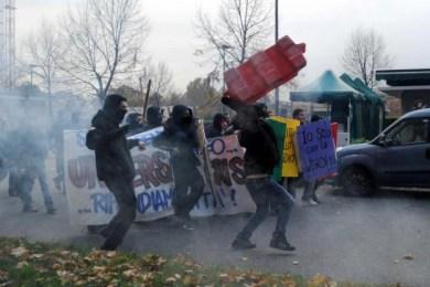 scontri-a-torino-per-lo-sciopero