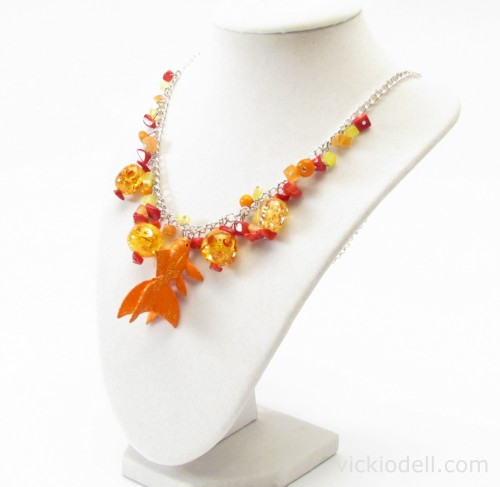 Goldfish Necklace Tutorial with Krylon Glitter Blast