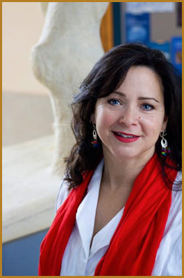 Vicky Alvear Shecter is the award-winning author of Young Adult Fiction