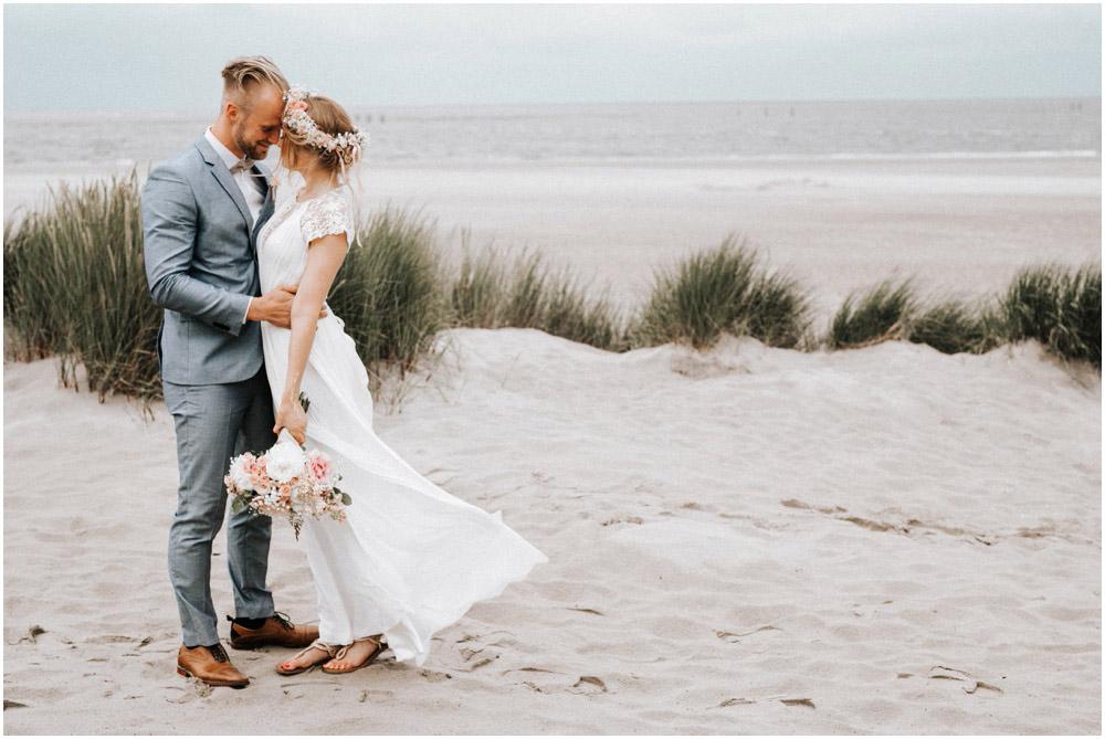 Strandhochzeit in Holland  Vicky Baumann