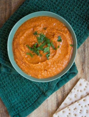 Vicky van Dijk | Gegrilde paprika hummus
