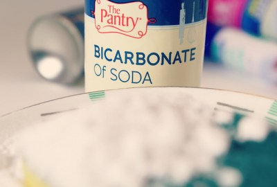 https://www.flickr.com/photos/thriftyuk/10447422154 bicarbonate of soda