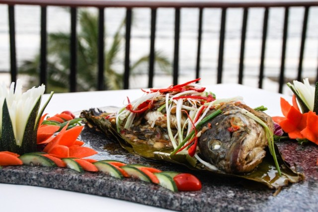 Victoria Phan Thiet - Grilled Fish in Banana Leaf - Image by James Pham-38