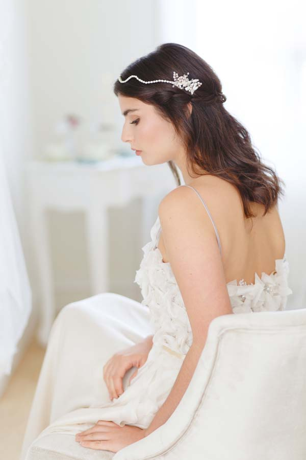Eva Pearl Bridal Forehead Band