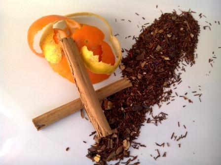 TÉ DE NAVIDAD con ingredientes que tienes en casa; así puedes beber un té a tu gusto y más barato. ¡Hasta puedes preparar bonitos regalos de Navidad con él!
