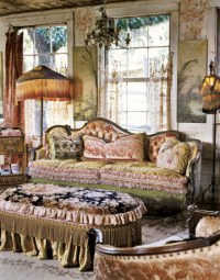 Victorian Era furniture Style & Designs for Tables