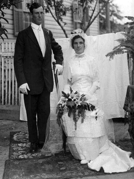 Vintage Wedding Dresses PHOTOS