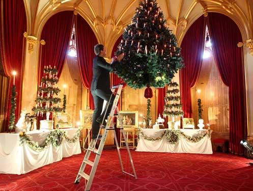 Queen Victorias Christmas Trees  Victoriana Magazine