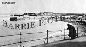 Lyme Regis, Harbour and Cobb c1940
